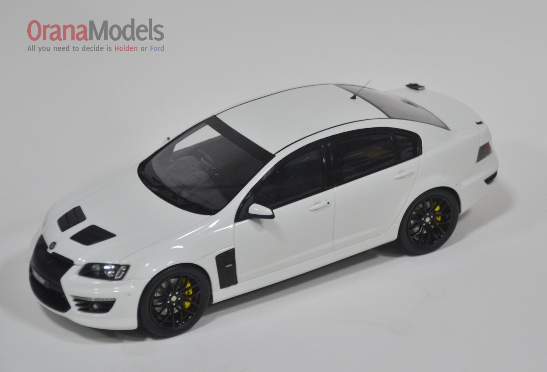 1//18 BIANTE HOLDEN COMMODORE HSV E3 GTS HERON WHITE 25th ANNIVERSARY   BR18404D